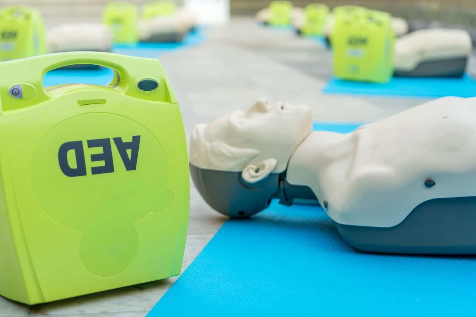 defibrillateur arrêt cardio-respiratoire